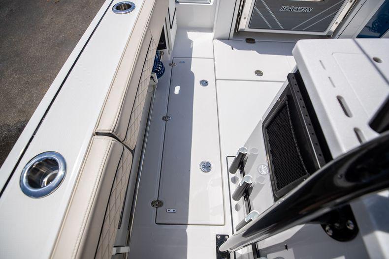 Thumbnail 24 for Used 2021 Blackfin 332CC boat for sale in Islamorada, FL