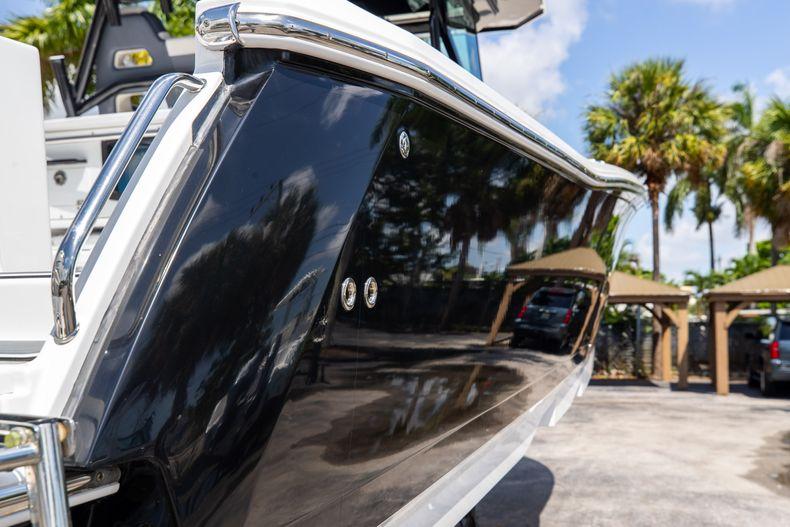 Thumbnail 11 for Used 2021 Blackfin 332CC boat for sale in Islamorada, FL