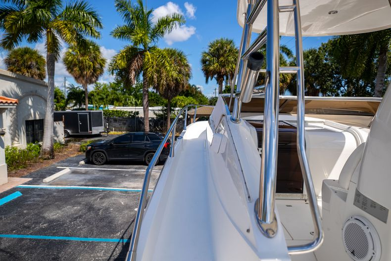 Thumbnail 56 for Used 2004 Sunseeker Sportfisher 37 boat for sale in West Palm Beach, FL
