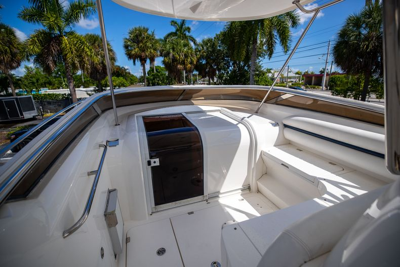Thumbnail 37 for Used 2004 Sunseeker Sportfisher 37 boat for sale in West Palm Beach, FL