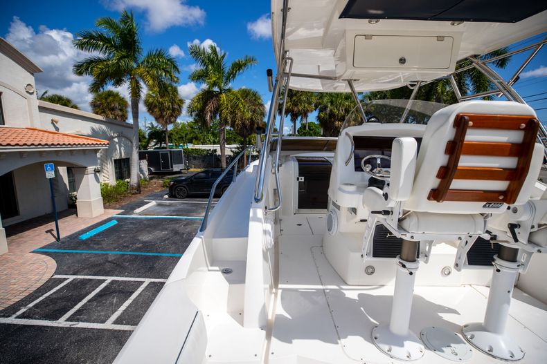 Thumbnail 24 for Used 2004 Sunseeker Sportfisher 37 boat for sale in West Palm Beach, FL