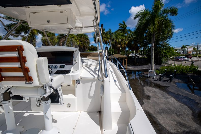 Thumbnail 21 for Used 2004 Sunseeker Sportfisher 37 boat for sale in West Palm Beach, FL