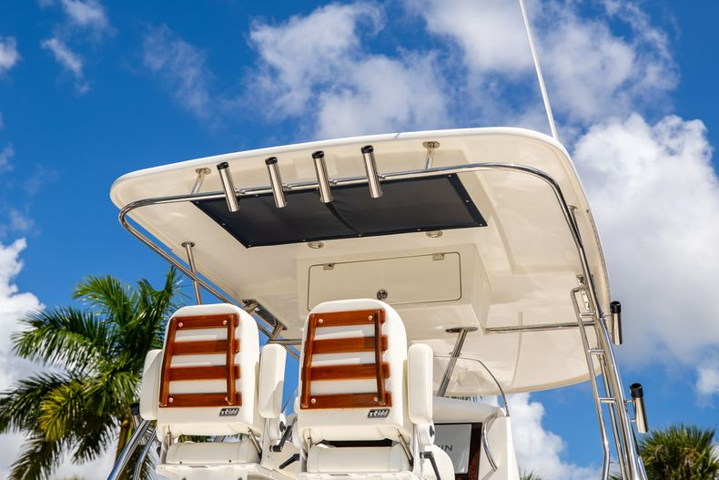 Thumbnail 12 for Used 2004 Sunseeker Sportfisher 37 boat for sale in West Palm Beach, FL