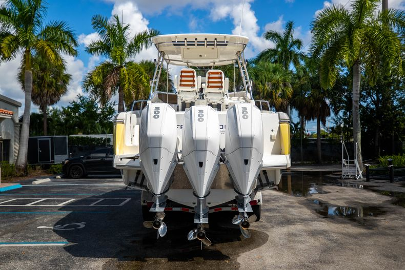 Thumbnail 9 for Used 2004 Sunseeker Sportfisher 37 boat for sale in West Palm Beach, FL