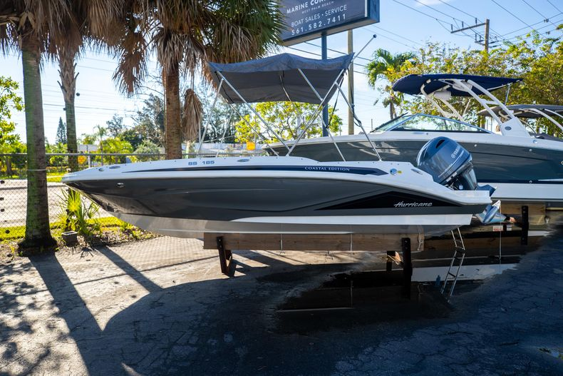 Thumbnail 1 for New 2022 Hurricane SunDeck Sport SS 185 OB boat for sale in West Palm Beach, FL