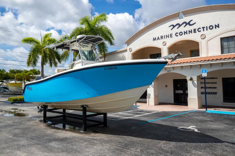 Thumbnail 1 for Used 2007 Mako 234 CC Center Console boat for sale in West Palm Beach, FL