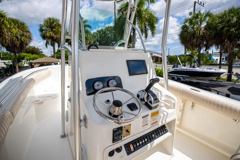 Thumbnail 33 for Used 2007 Mako 234 CC Center Console boat for sale in West Palm Beach, FL