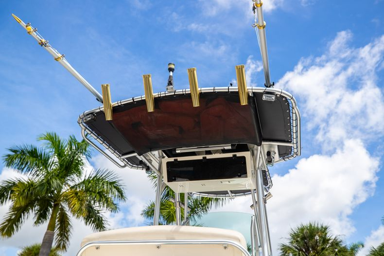 Thumbnail 12 for Used 2007 Mako 234 CC Center Console boat for sale in West Palm Beach, FL