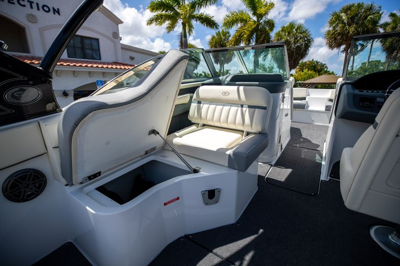 Thumbnail 21 for Used 2021 Cobalt 25SC boat for sale in West Palm Beach, FL