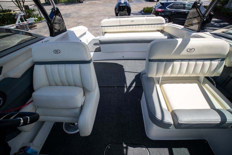 Thumbnail 35 for Used 2021 Cobalt 25SC boat for sale in West Palm Beach, FL