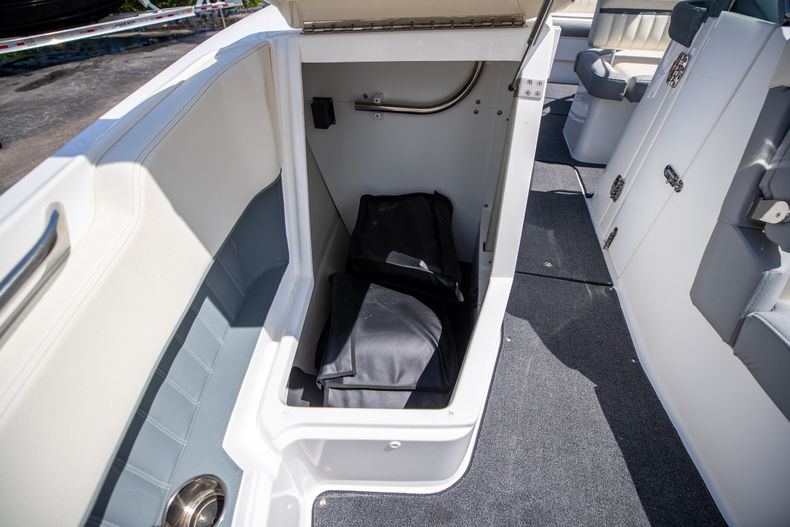 Thumbnail 45 for Used 2021 Cobalt 25SC boat for sale in West Palm Beach, FL