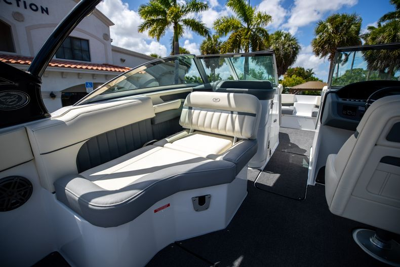 Thumbnail 20 for Used 2021 Cobalt 25SC boat for sale in West Palm Beach, FL