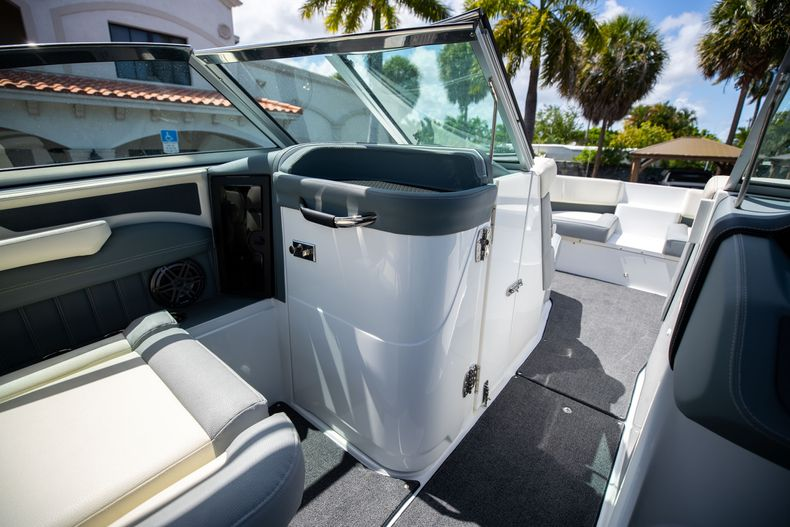 Thumbnail 32 for Used 2021 Cobalt 25SC boat for sale in West Palm Beach, FL