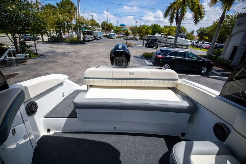 Thumbnail 16 for Used 2021 Cobalt 25SC boat for sale in West Palm Beach, FL