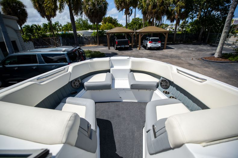 Thumbnail 40 for Used 2021 Cobalt 25SC boat for sale in West Palm Beach, FL