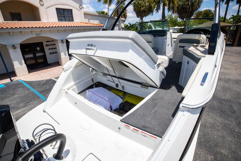 Thumbnail 14 for Used 2021 Cobalt 25SC boat for sale in West Palm Beach, FL