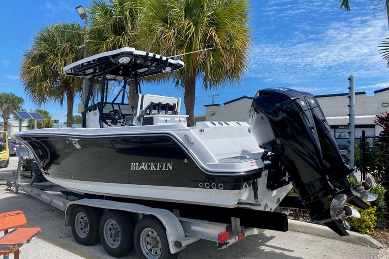 Thumbnail 1 for New 2022 Blackfin 252CC boat for sale in Fort Lauderdale, FL