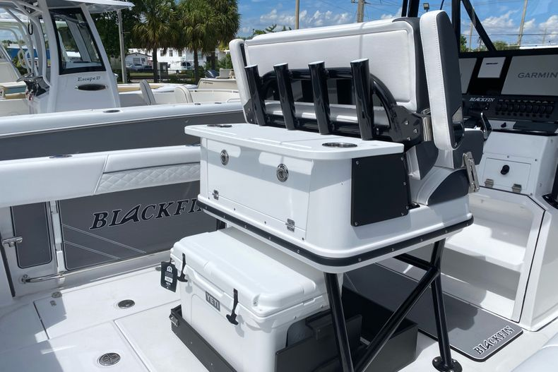Thumbnail 2 for New 2022 Blackfin 252CC boat for sale in Fort Lauderdale, FL