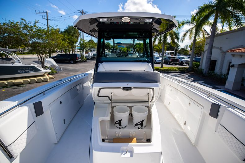 Thumbnail 59 for New 2022 Blackfin 332CC boat for sale in West Palm Beach, FL