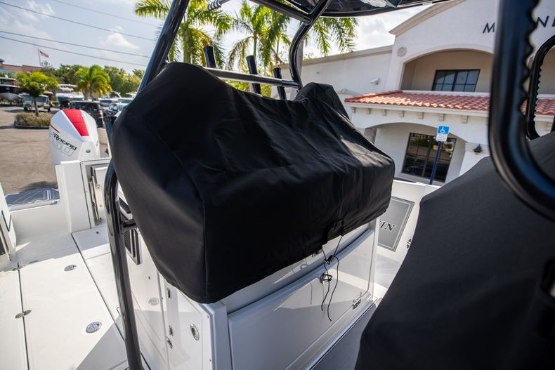 Thumbnail 61 for New 2022 Blackfin 332CC boat for sale in West Palm Beach, FL