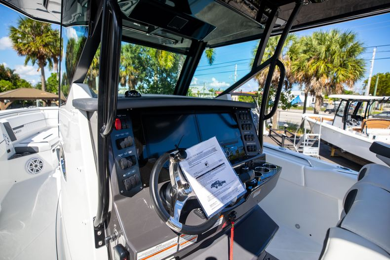 Thumbnail 39 for New 2022 Blackfin 332CC boat for sale in West Palm Beach, FL