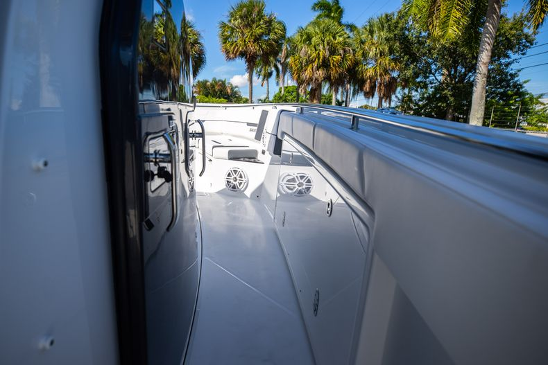 Thumbnail 48 for New 2022 Blackfin 332CC boat for sale in West Palm Beach, FL