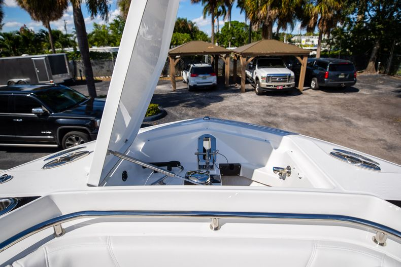 Thumbnail 57 for New 2022 Blackfin 332CC boat for sale in West Palm Beach, FL