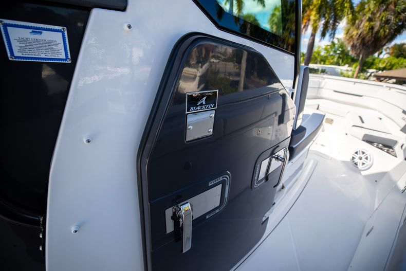Thumbnail 45 for New 2022 Blackfin 332CC boat for sale in West Palm Beach, FL