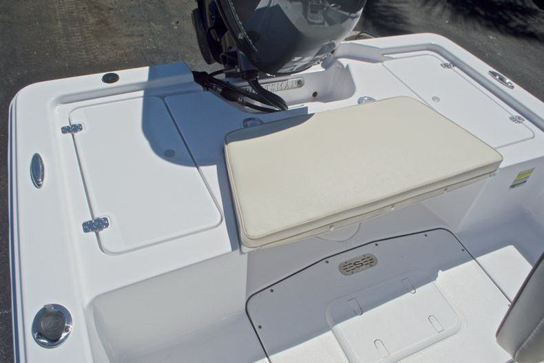 Thumbnail 13 for New 2017 Sportsman 20 Island Bay boat for sale in West Palm Beach, FL
