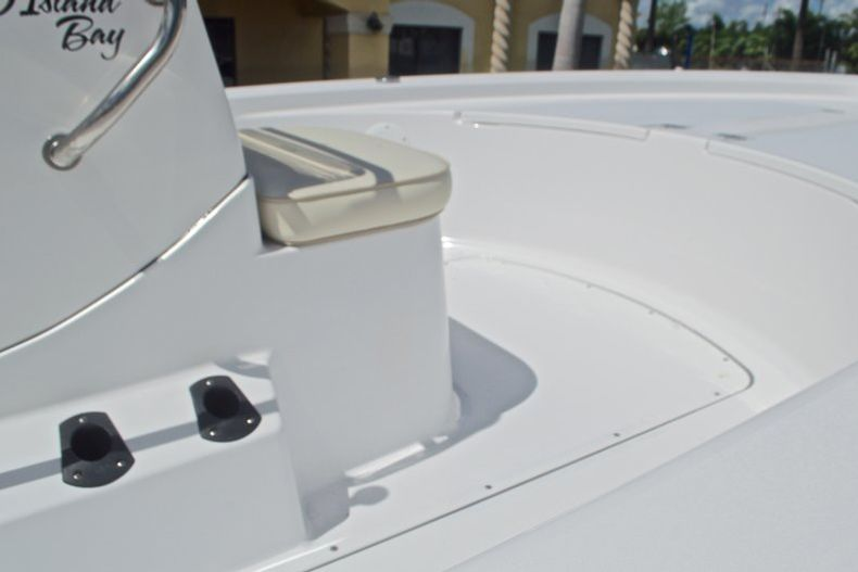 Thumbnail 11 for New 2017 Sportsman 20 Island Bay boat for sale in West Palm Beach, FL