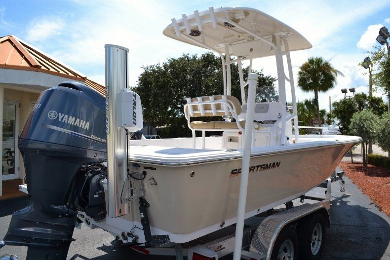 Thumbnail 5 for Used 2014 Sportsman Masters 227 Bay Boat boat for sale in Vero Beach, FL