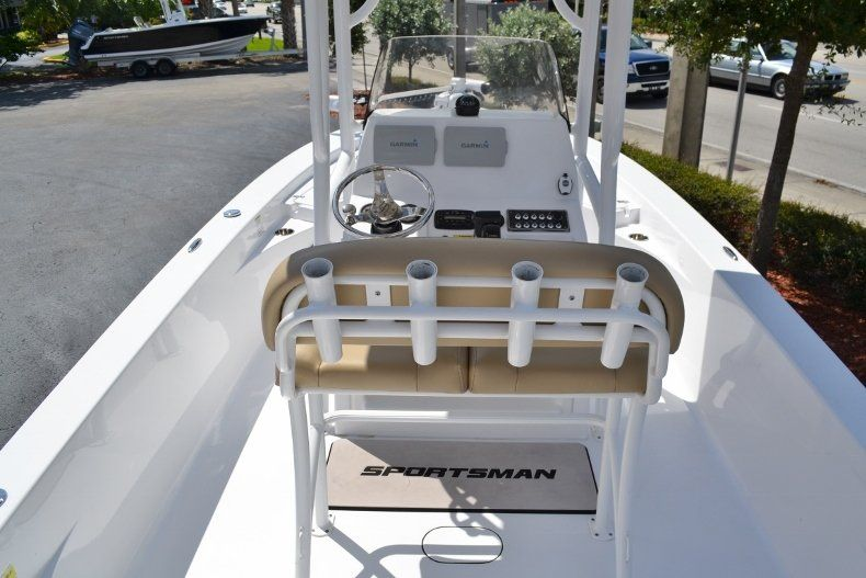Thumbnail 9 for Used 2014 Sportsman Masters 227 Bay Boat boat for sale in Vero Beach, FL