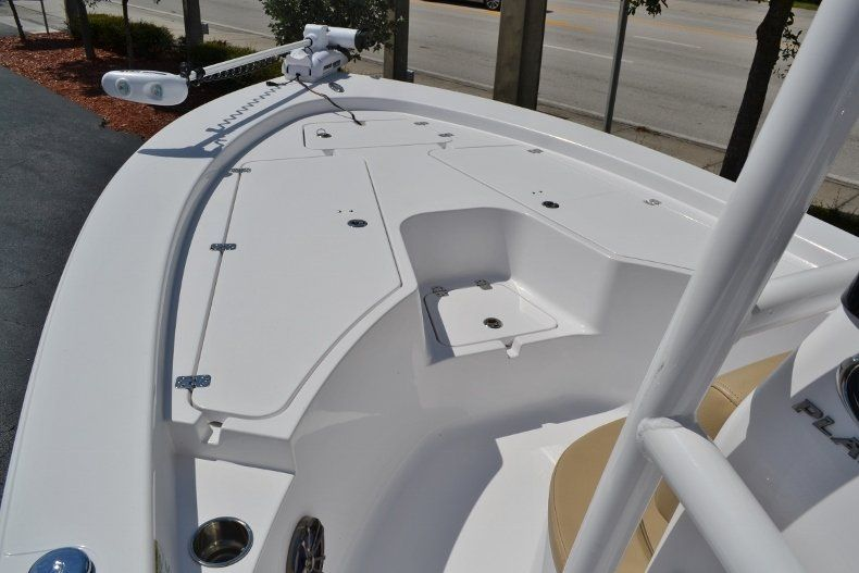 Thumbnail 15 for Used 2014 Sportsman Masters 227 Bay Boat boat for sale in Vero Beach, FL