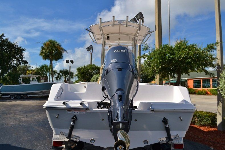 Thumbnail 3 for New 2017 Sportsman Open 212 Center Console boat for sale in West Palm Beach, FL