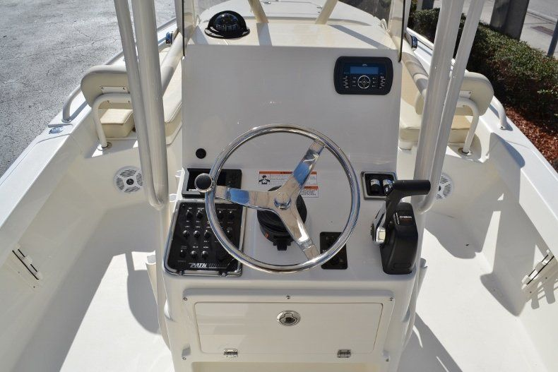 Thumbnail 9 for New 2017 Pathfinder 2200 TRS Bay Boat boat for sale in Vero Beach, FL