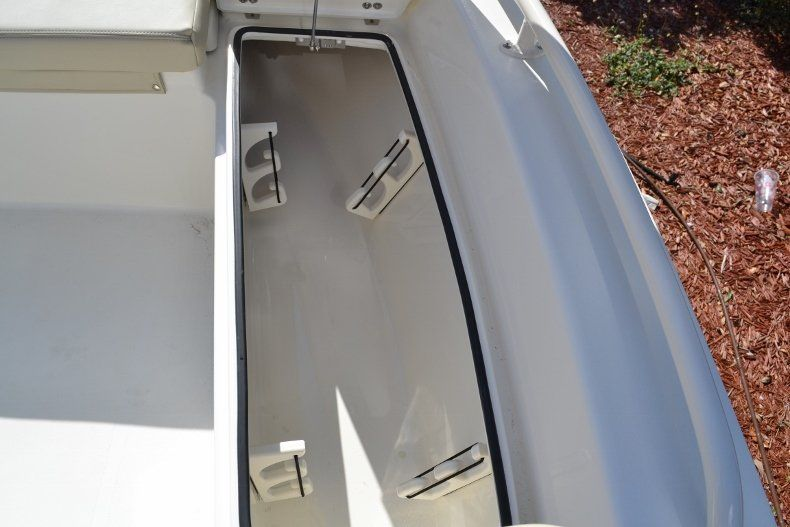Thumbnail 18 for New 2017 Pathfinder 2200 TRS Bay Boat boat for sale in Vero Beach, FL