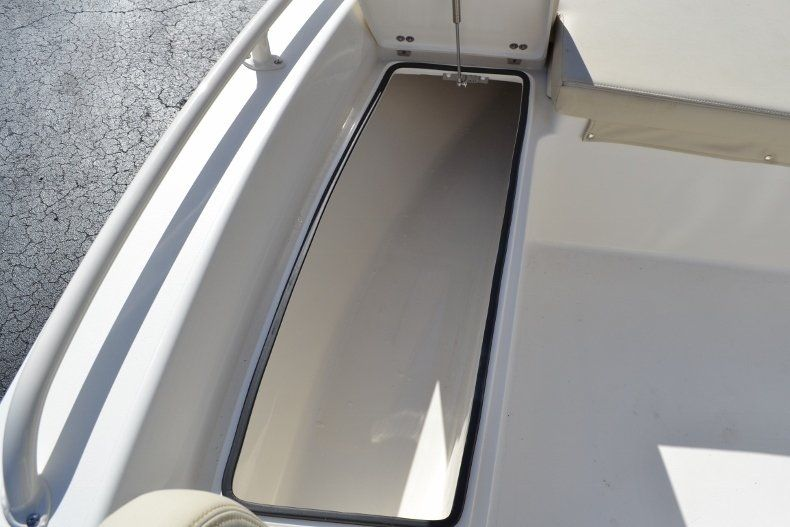 Thumbnail 19 for New 2017 Pathfinder 2200 TRS Bay Boat boat for sale in Vero Beach, FL