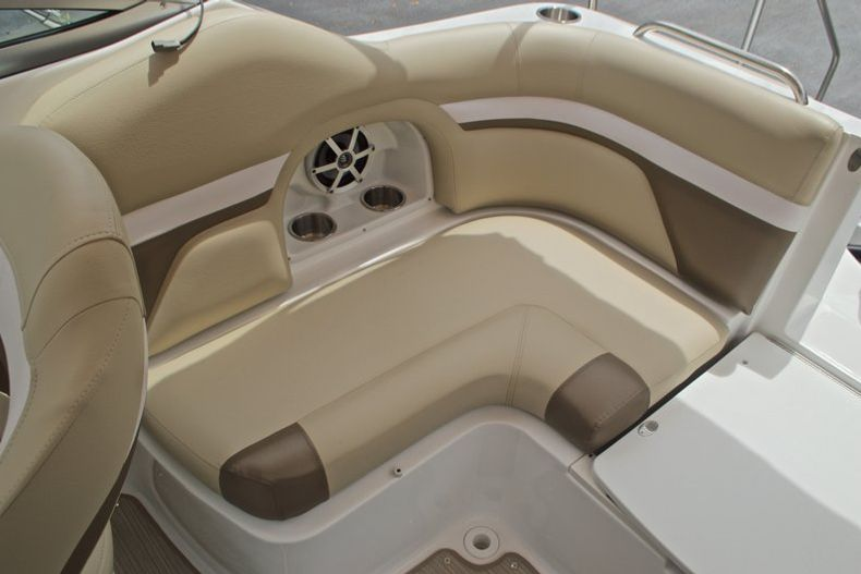 Thumbnail 22 for New 2017 Hurricane SunDeck SD 2486 OB boat for sale in West Palm Beach, FL