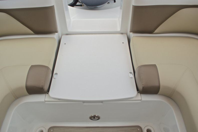 Thumbnail 24 for New 2017 Hurricane SunDeck SD 2486 OB boat for sale in West Palm Beach, FL