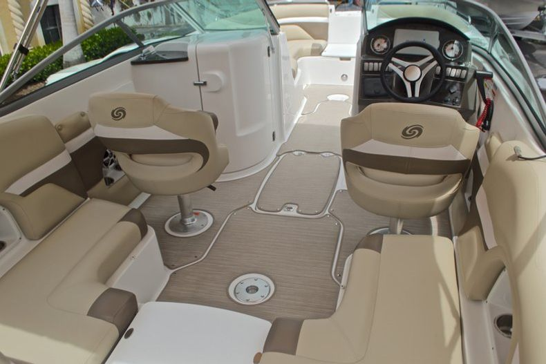 Thumbnail 10 for New 2017 Hurricane SunDeck SD 2486 OB boat for sale in West Palm Beach, FL