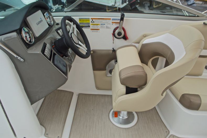 Thumbnail 33 for New 2017 Hurricane SunDeck SD 2486 OB boat for sale in West Palm Beach, FL