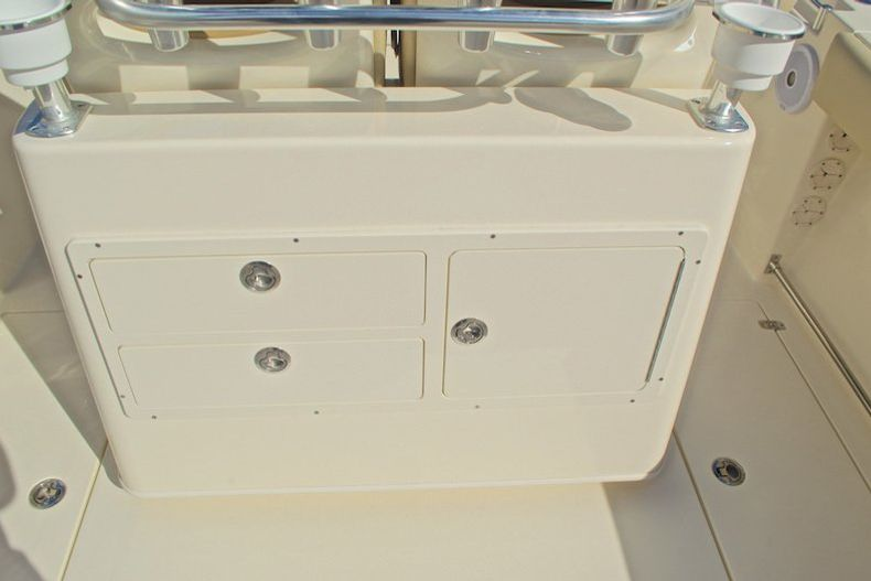 Thumbnail 21 for New 2017 Cobia 277 Center Console boat for sale in West Palm Beach, FL