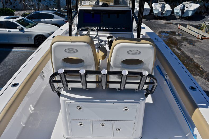 Thumbnail 12 for New 2018 Sportsman Masters 267 Bay Boat boat for sale in Vero Beach, FL