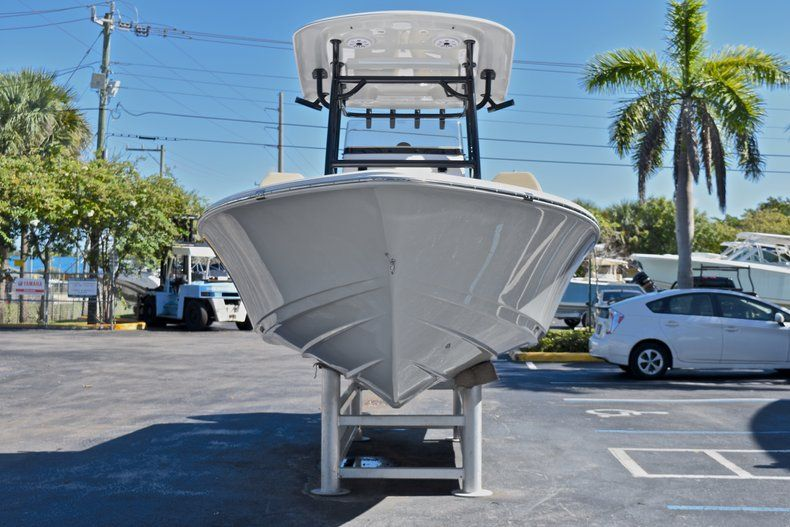 Thumbnail 2 for New 2018 Sportsman Masters 267 Bay Boat boat for sale in Vero Beach, FL