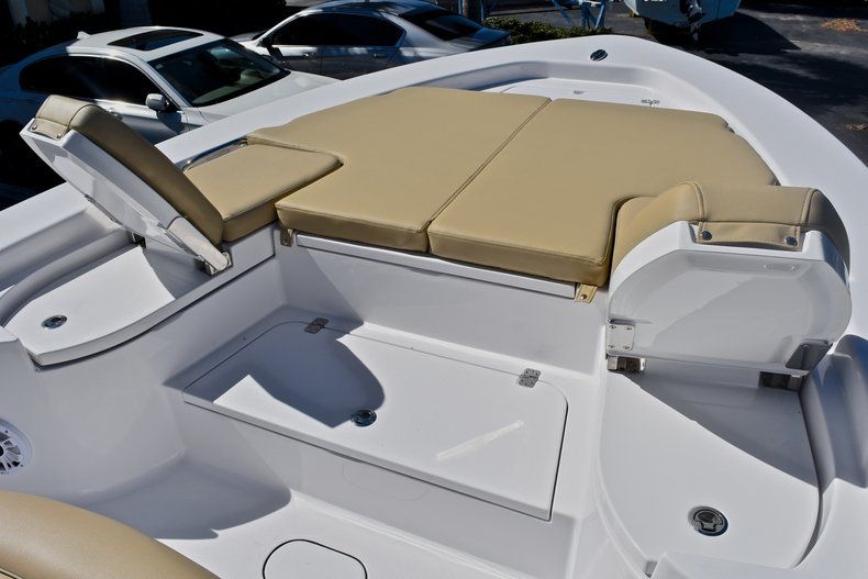 Thumbnail 55 for New 2018 Sportsman Masters 267 Bay Boat boat for sale in Vero Beach, FL
