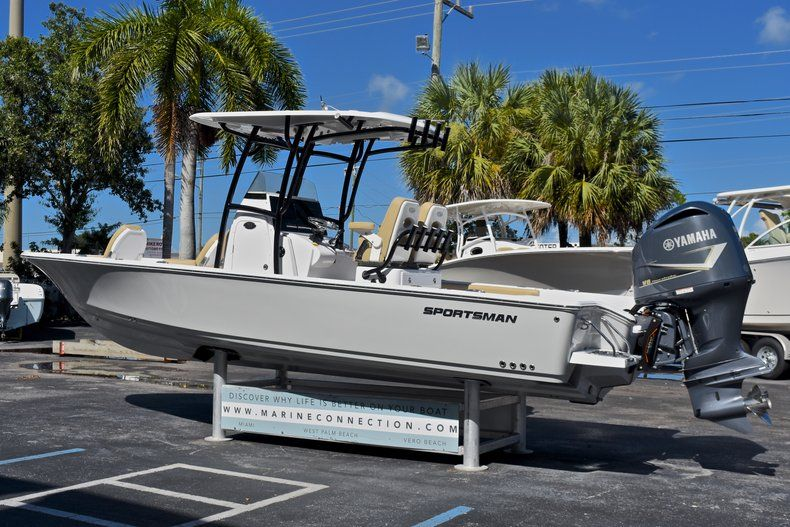 Thumbnail 5 for New 2018 Sportsman Masters 267 Bay Boat boat for sale in Vero Beach, FL