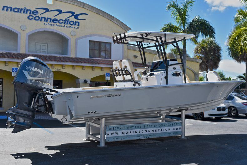 Thumbnail 9 for New 2018 Sportsman Masters 267 Bay Boat boat for sale in Vero Beach, FL