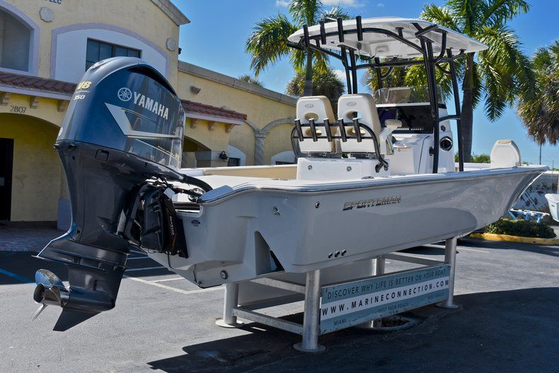 Thumbnail 8 for New 2018 Sportsman Masters 267 Bay Boat boat for sale in Vero Beach, FL