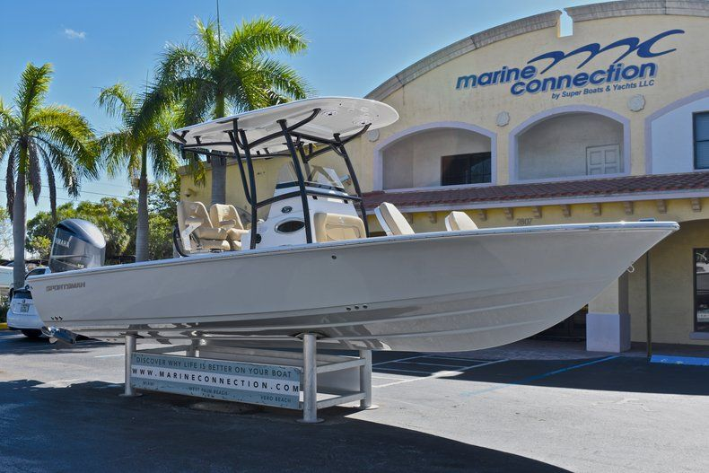 Thumbnail 1 for New 2018 Sportsman Masters 267 Bay Boat boat for sale in Vero Beach, FL