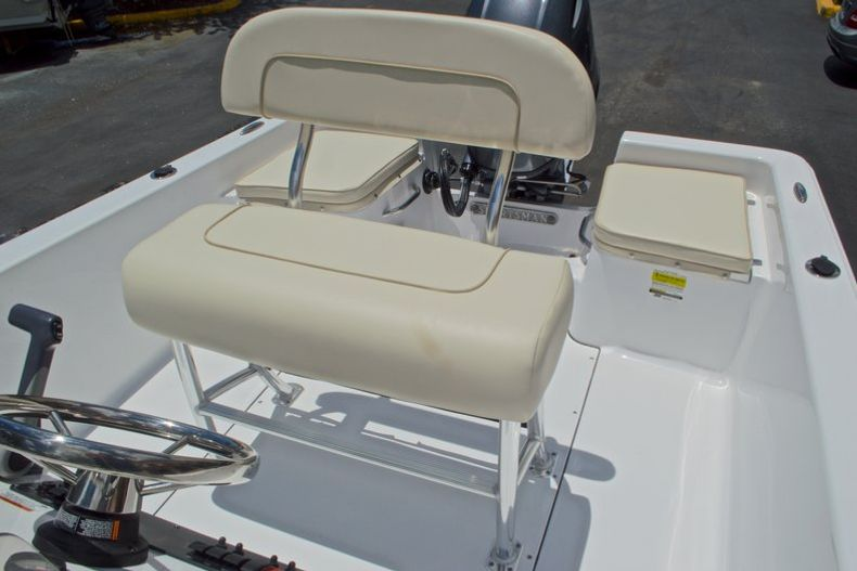 Thumbnail 21 for New 2017 Sportsman 19 Island Reef boat for sale in West Palm Beach, FL